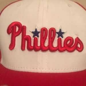 8327d4c4b361c Nike Accessories - Brand new Phillies Nike Trucker cap